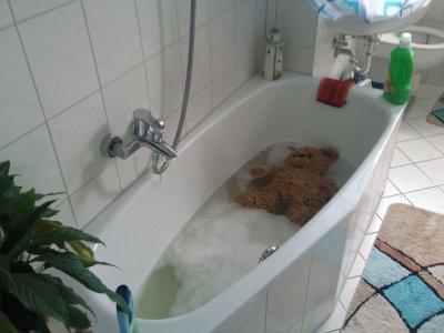 Schnute geht baden